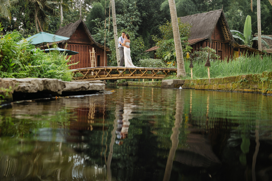 THE WEDDING | CAROLINE & BRENT at Bambu Indah Ubud  35