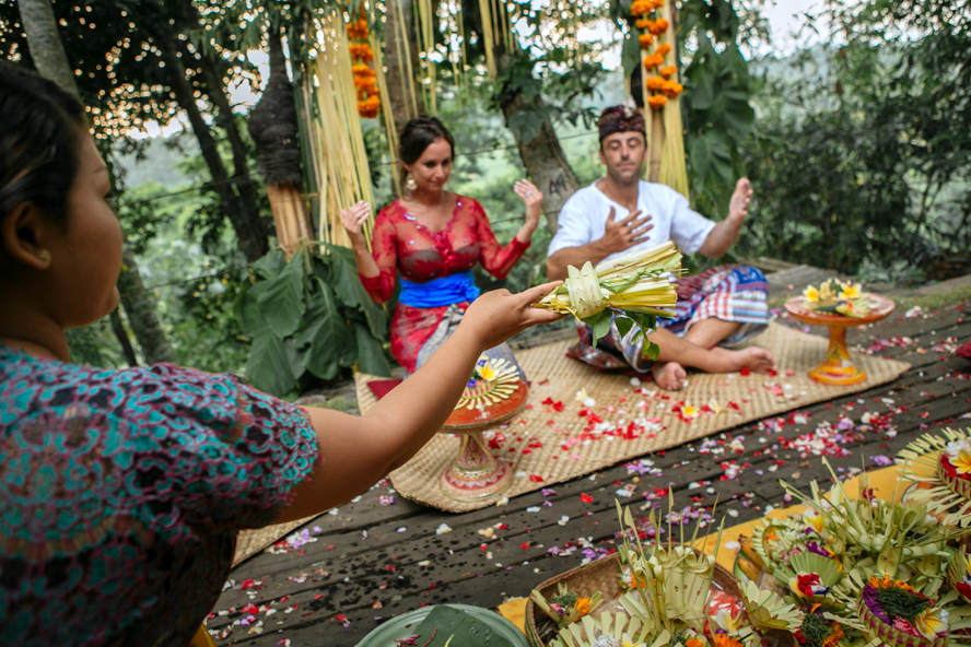 THE WEDDING | CAROLINE & BRENT at Bambu Indah Ubud  45